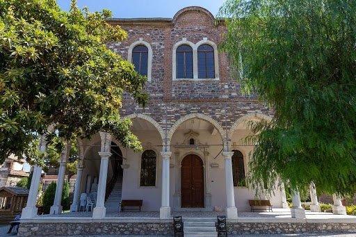 Aziz Voukolos Kilisesi Nerededir