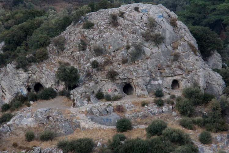 Homeros Vadisi Mağara